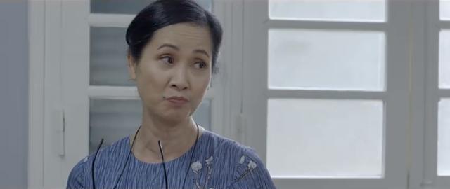 Những nhân viên gương mẫu - Tập 4: Qua mặt trưởng phòng, Chi (Kim Oanh) bị khiển trách sâu cay - ảnh 2