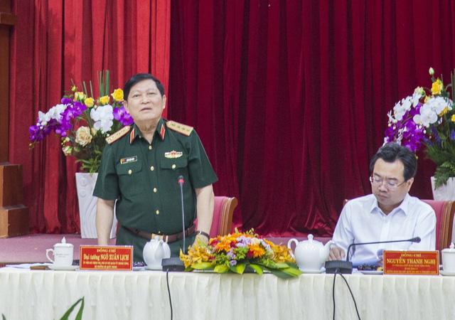 Bộ trưởng Bộ Quốc phòng Ngô Xuân Lịch làm việc tại Kiên Giang - Ảnh 1.