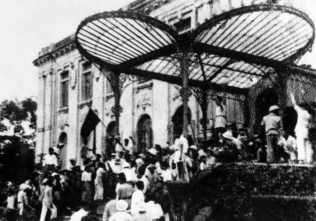 Kỷ niệm 74 năm Cách mạng tháng Tám thành công: Mốc son chói lọi trong dòng chảy lịch sử - Ảnh 1.