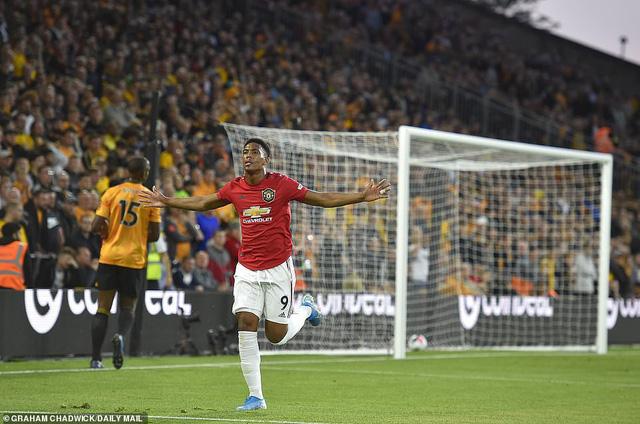 Wolverhampton 1-1 Manchester United: Pogba đá hỏng 11m, Manchester United chia điểm đáng tiếc - Ảnh 1.