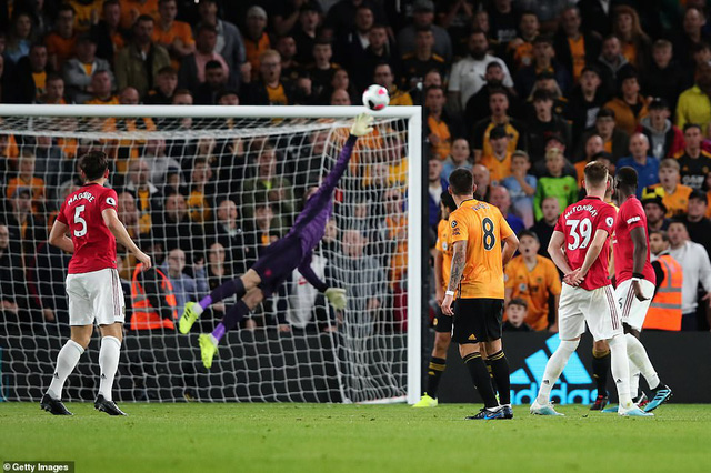 Wolverhampton 1-1 Manchester United: Pogba đá hỏng 11m, Manchester United chia điểm đáng tiếc - Ảnh 2.
