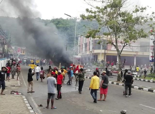 Bạo loạn bùng phát tại tỉnh Papua, Indonesia - Ảnh 3.