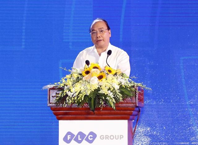 Thủ tướng: Phát triển miền Trung đừng để hai chân dẫm vào nhau - Ảnh 2.