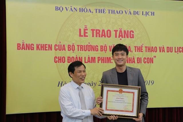 Ê-kíp Về nhà đi con vinh dự được Bộ trưởng Bộ Văn hóa, Thể thao và du lịch trao bằng khen - Ảnh 10.