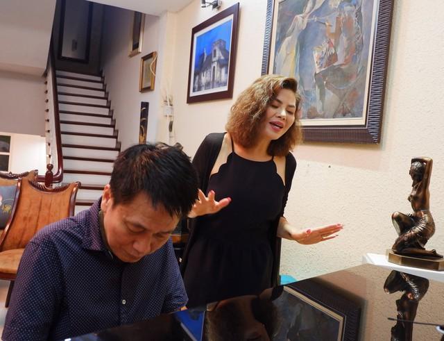 Vừa về nước, Ngọc Anh đã ghé thăm nhạc sĩ Phú Quang - Ảnh 1.