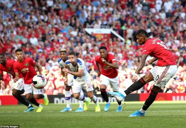 Manchester United 1-2 Crystal Palace: Rashford đá trượt penalty, Man Utd thua sốc trên sân nhà - Ảnh 3.