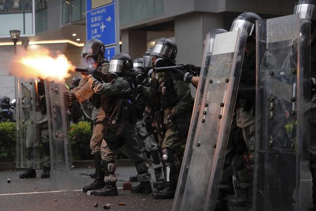 Một loạt nước cảnh báo công dân đến Hong Kong - Ảnh 2.