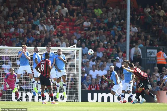Bournemouth 1-3 Man City: Aguero lập cú đúp, The Citizens phả hơi nóng vào Liverpool - Ảnh 2.