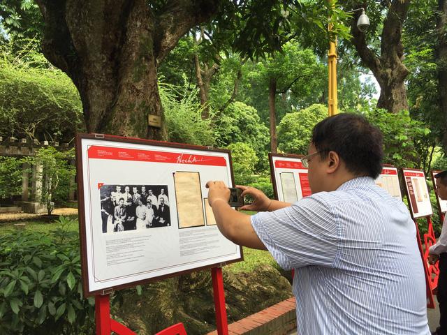 Cuộc đời và sự nghiệp Hồ Chí Minh từ tài liệu lưu trữ Việt Nam và quốc tế - Ảnh 11.