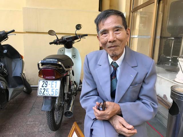 Nghệ sĩ Trần Hạnh xúc động nhận danh hiệu Nghệ sĩ nhân dân - Ảnh 3.