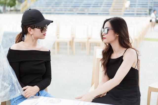 Đông Nhi - Chi Pu - Hoàng Thuỳ Linh - Ái Phương tập tổng duyệt Chung kết Miss World Việt Nam 2019 - Ảnh 6.