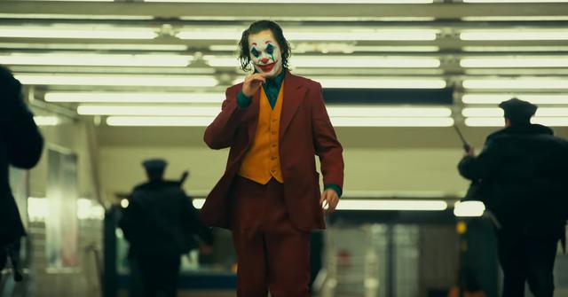 Joker: Bộ phim được chờ đợi nhất năm của vũ trụ DC tung trailer đầy ma mị và ám ảnh - Ảnh 2.
