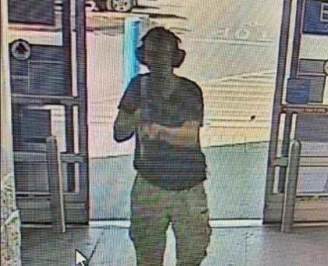 Xả súng tại siêu thị Walmart ở Mỹ, ít nhất 20 người thiệt mạng - Ảnh 2.