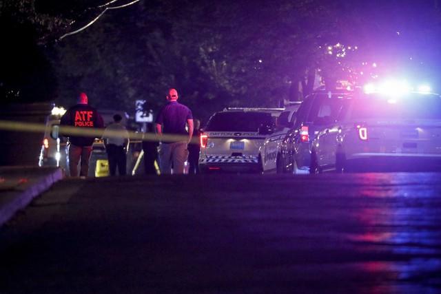 Lại xảy ra xả súng tại Mỹ, ít nhất 10 người thiệt mạng - Ảnh 2.