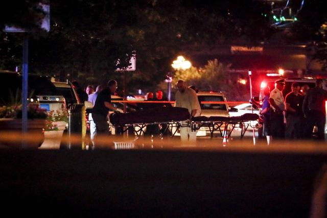 Lại xảy ra xả súng tại Mỹ, ít nhất 10 người thiệt mạng - Ảnh 3.