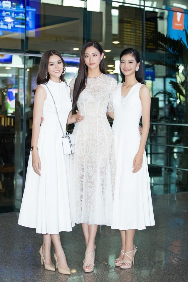 Hoa hậu Lương Thùy Linh và 2 Á hậu gây náo loạn tại sân bay - Ảnh 8.