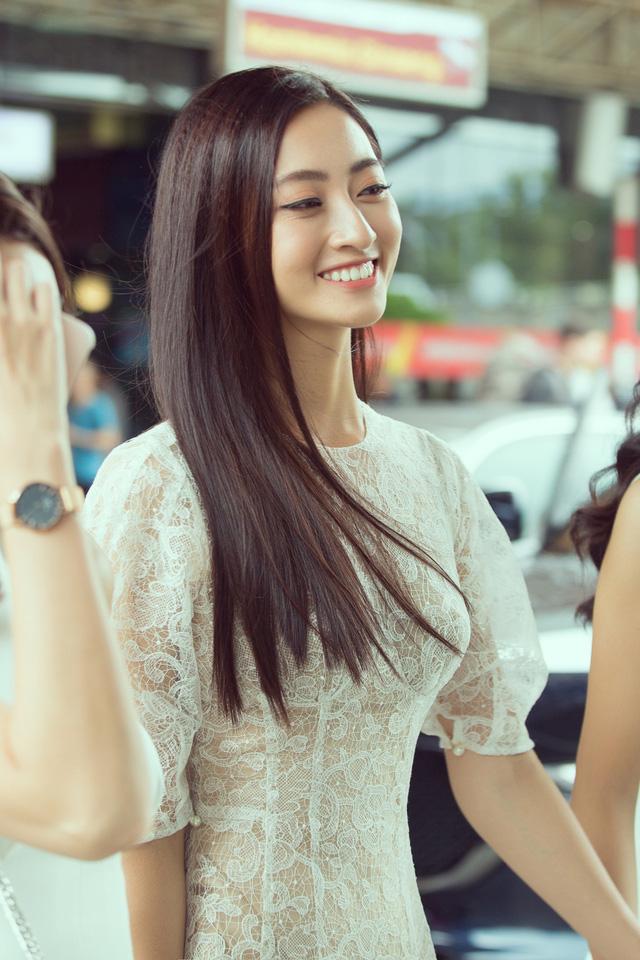 Hoa hậu Lương Thùy Linh và 2 Á hậu gây náo loạn tại sân bay - Ảnh 10.