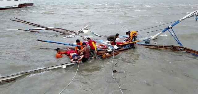 Philippines: Con số thiệt mạng trong 3 vụ đắm tàu tăng lên 31 người - Ảnh 1.
