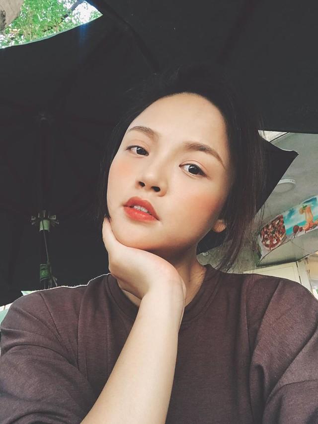 VTV Awards 2019: Lan Ngọc vẫn chẳng bị vướng bởi bất cứ diễn viên nữ nào - Ảnh 2.