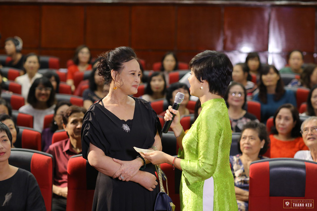 Ký ức kịch Lưu Quang Vũ rưng rưng trong Quán thanh xuân tháng 8 - Ảnh 1.