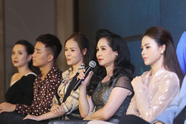 Dàn diễn viên xinh đẹp của Những nhân viên gương mẫu - Ảnh 11.