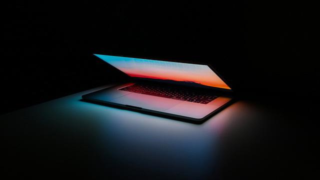 Apple chuẩn bị khai tử dòng MacBook Pro 15 inch - Ảnh 1.