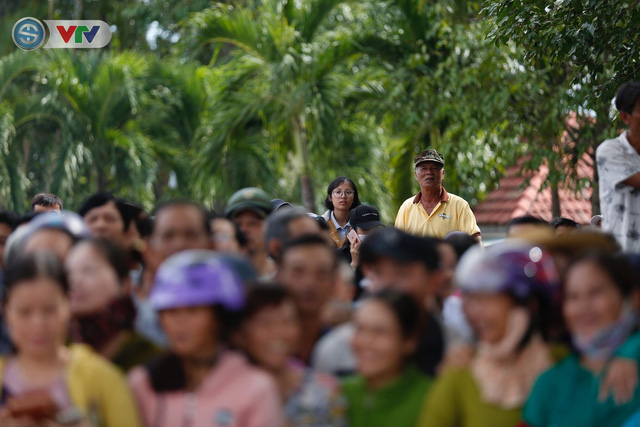 ĐT Việt Nam choáng ngợp trước sự tiếp đón của người dân huyện Quế Sơn, tỉnh Quảng Nam - Ảnh 17.