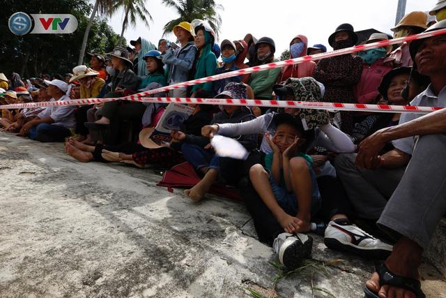 ĐT Việt Nam choáng ngợp trước sự tiếp đón của người dân huyện Quế Sơn, tỉnh Quảng Nam - Ảnh 16.