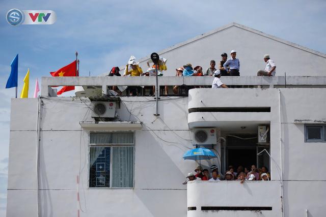 ĐT Việt Nam choáng ngợp trước sự tiếp đón của người dân huyện Quế Sơn, tỉnh Quảng Nam - Ảnh 15.