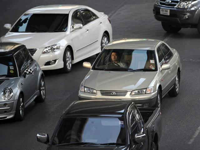 Choáng váng với những quy tắc lái xe kỳ lạ nhất thế giới - ảnh 2