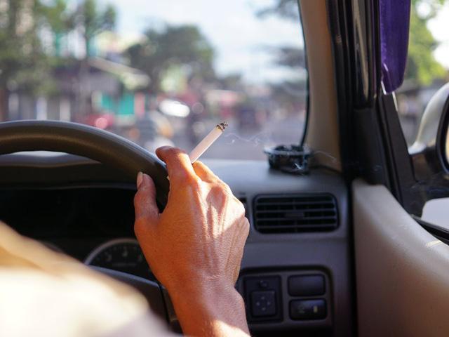 Choáng váng với những quy tắc lái xe kỳ lạ nhất thế giới - ảnh 4