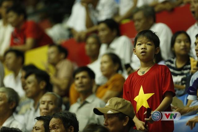 VTV Cup 2019: Bất chấp mưa lớn, người hâm mộ vẫn lấp kín nhà thi đấu tỉnh Quảng Nam - Ảnh 11.