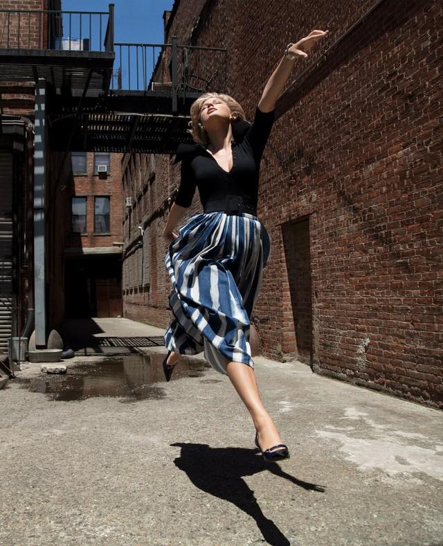 Taylor Swift – Mạnh mẽ, tự do và đầy sức hút - Ảnh 4.