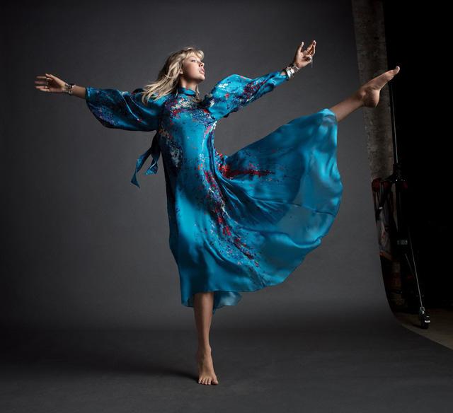 Taylor Swift – Mạnh mẽ, tự do và đầy sức hút - Ảnh 7.