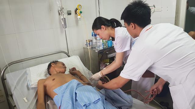 Cận cảnh ổ cặn mủ màng phổi mạn tính nguy hiểm - Ảnh 2.