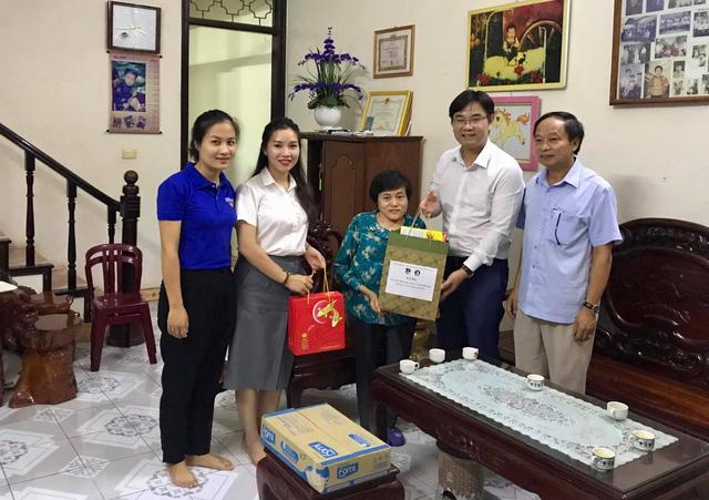 Thành đoàn Hà Nội mang Trung thu đến với những em nhỏ thiếu may mắn - Ảnh 2.