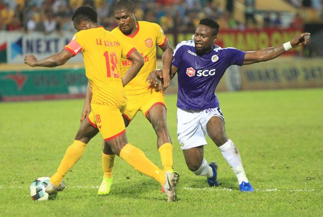 CLB Hà Nội - DNH Nam Định đá bù vòng 22 V.League 2019 (19h 11/9): Lợi thế sân nhà - Ảnh 1.