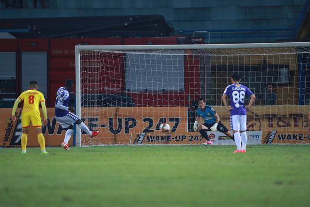 ẢNH: CLB Hà Nội thắng vùi dập DNH Nam Định - Ảnh 3.
