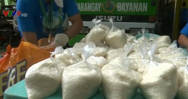 Đổi chai nhựa lấy gạo ở Philippines - Ảnh 1.