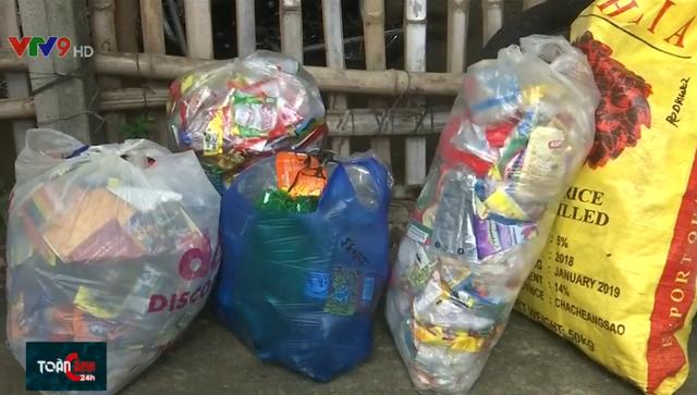 Đổi chai nhựa lấy gạo ở Philippines - Ảnh 2.