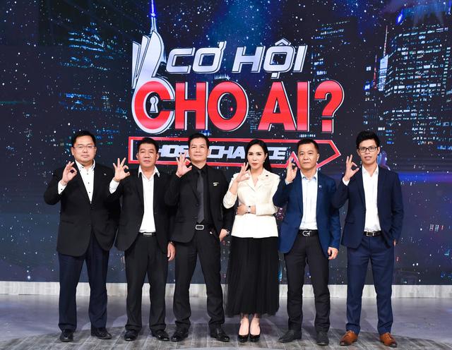 """Cơ hội cho ai - Tập 1: Xuất hiện nhân vật khiến CEO Lưu Nga phải """"chiến đấu tới cùng"""" - Ảnh 1."""
