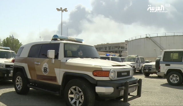 Nhóm vũ trang Houthi thừa nhận tấn công tập đoàn dầu của Saudi Arabia - Ảnh 2.