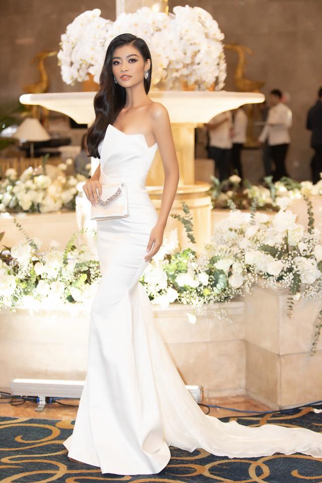 Lương Thùy Linh, Tường San, Kiều Loan đọ sắc trong váy trắng nuột nà - Ảnh 16.