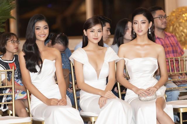 Lương Thùy Linh, Tường San, Kiều Loan đọ sắc trong váy trắng nuột nà - Ảnh 2.