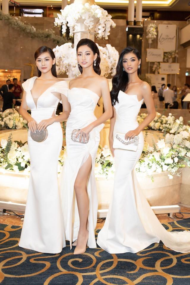 Lương Thùy Linh, Tường San, Kiều Loan đọ sắc trong váy trắng nuột nà - Ảnh 1.