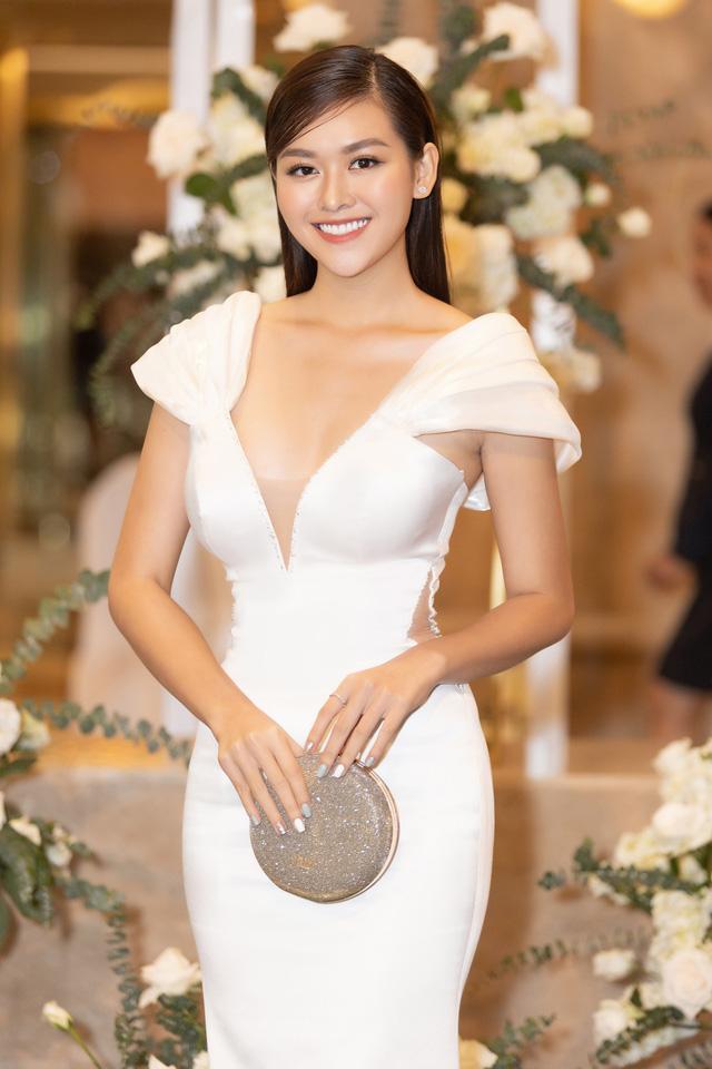 Lương Thùy Linh, Tường San, Kiều Loan đọ sắc trong váy trắng nuột nà - Ảnh 9.