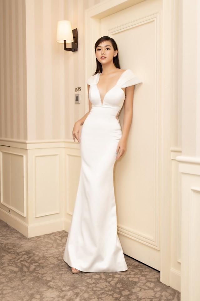 Lương Thùy Linh, Tường San, Kiều Loan đọ sắc trong váy trắng nuột nà - Ảnh 14.