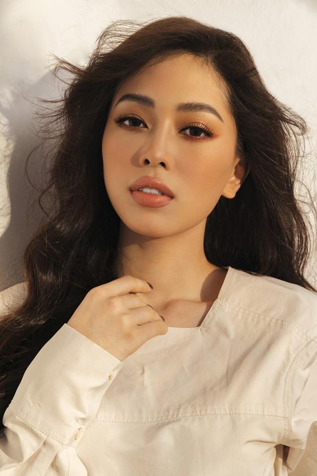 Top 3 Hoa hậu Việt Nam 2018 tung bộ ảnh kỷ niệm 1 năm đăng quang - Ảnh 5.