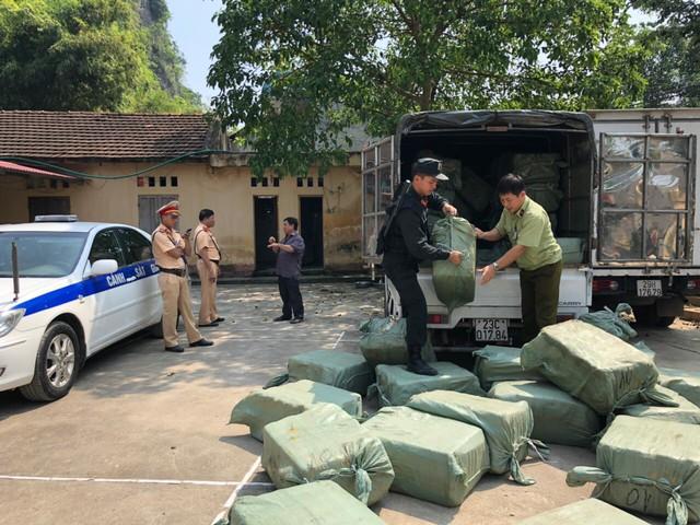 Lạng Sơn: Bắt giữ 2,3 tấn nầm lợn nhập lậu - Ảnh 1.