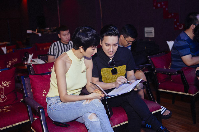 Quang Hà xúc động khi Xuân Lan đến tận phòng tập nhạc cổ vũ tinh thần - Ảnh 3.